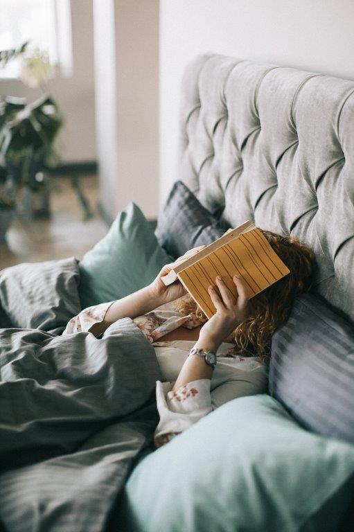 Warum herrscht meist eine hohe Luftfeuchtigkeit im Schlafzimmer
